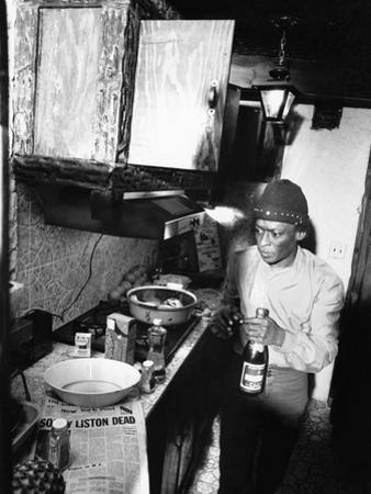 Miles Davis - 1971 by Moneta Sleet Jr.