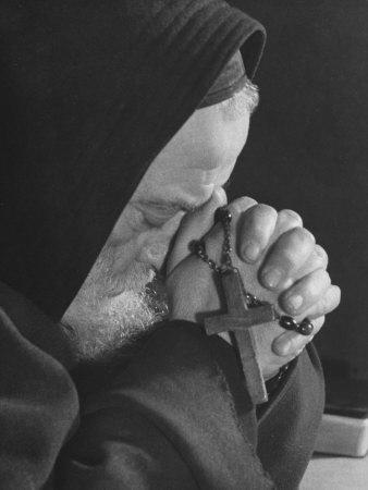 https://imgc.artprintimages.com/img/print/monk-praying_u-l-q10szj20.jpg?p=0