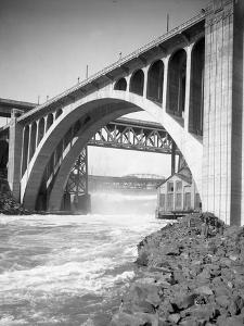 Monroe Street Bridge, Spokane River, Spokane, 1916
