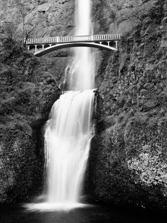 Multnomah Falls, Colombia River Gorge, Oregon 92 by Monte Nagler