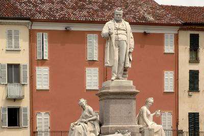 Monument to Count Camillo Benso Di Cavour (1810-1861)--Photographic Print