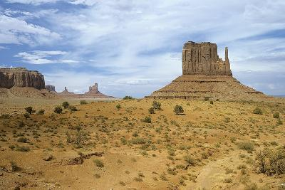 Monument Valley 05-Gordon Semmens-Photographic Print