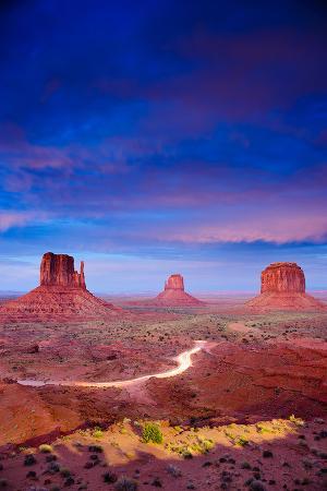 monument-valley-at-dusk-utah