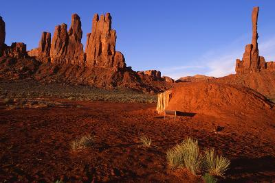 Monument Valley I-Ike Leahy-Photographic Print
