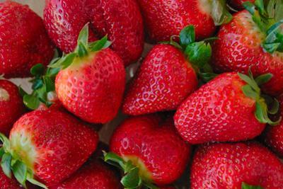 Strawberrries by monysasi