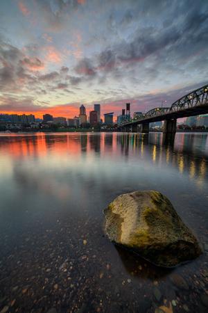 https://imgc.artprintimages.com/img/print/moody-riverside-sunset-hawthorne-bridge-eastbank-esplande-portland-oregon_u-l-q10dkk00.jpg?p=0