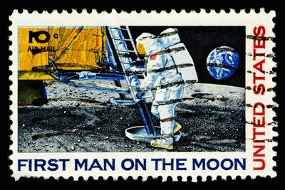 https://imgc.artprintimages.com/img/print/moon-landing-1969_u-l-pqnv140.jpg?p=0