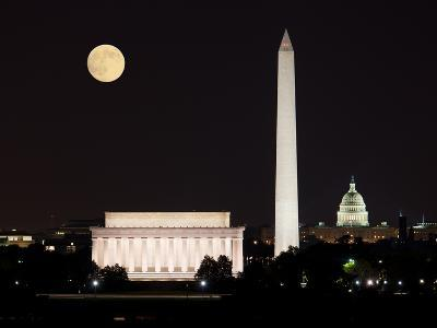 Moon Rising in Washington DC-BackyardProductions-Photographic Print