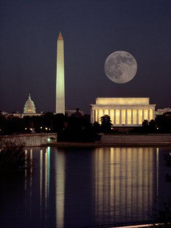 https://imgc.artprintimages.com/img/print/moonrise-over-the-lincoln-memorial_u-l-p4skk90.jpg?p=0