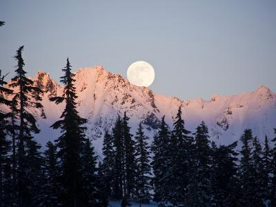 Moonrise over the North Cascades at Sunset, as Seen from Mount Baker, Washington.-Ethan Welty-Photographic Print