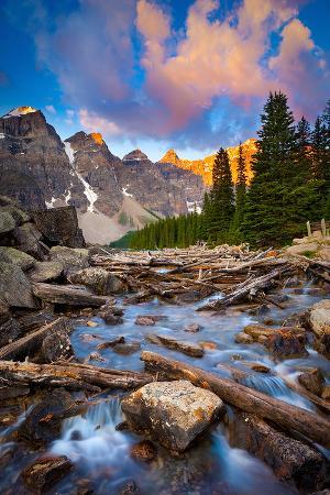 moraine-lake-creek-at-sunrise