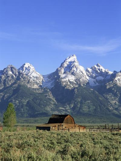 Morning Light on the Tetons and Old Barn, Grand Teton National Park, Wyoming, USA-Howie Garber-Photographic Print