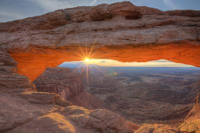 https://imgc.artprintimages.com/img/print/morning-sun-at-mesa-arch-canyonlands-southern-utah_u-l-pq7tly0.jpg?p=0
