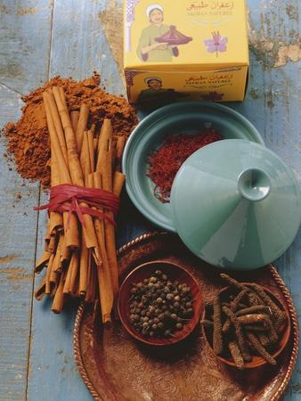 https://imgc.artprintimages.com/img/print/moroccan-spices_u-l-q138oox0.jpg?p=0