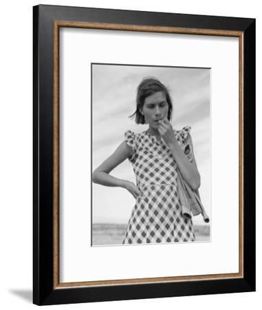 Mother Returned by Relief Administration-Dorothea Lange-Framed Art Print