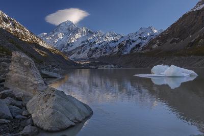 Mount Cook - Aoraki (Height 3754M) With Cap Cloud Forming-Andy Trowbridge-Photographic Print