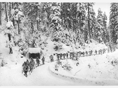 Mountain Infantrymen in the Vosges, 1918-Jacques Moreau-Photographic Print