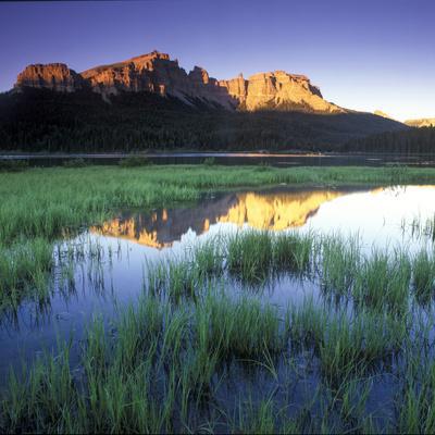 https://imgc.artprintimages.com/img/print/mountain-reflection-in-brooks-lake-wyoming_u-l-pu77un0.jpg?p=0