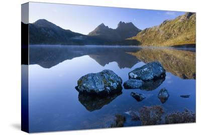 Mountain Scenery Dove Lake in Front of Massive