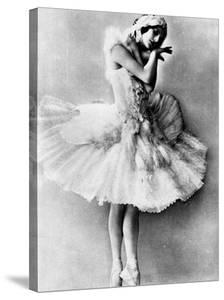 Mounted Original Postcard Portrait of Celebrated Russian Ballerina Anna Pavlova in Full Costume
