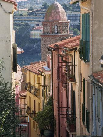 https://imgc.artprintimages.com/img/print/moure-place-old-town-collioure-roussillon-cote-vermeille-france-europe_u-l-pxunqr0.jpg?p=0