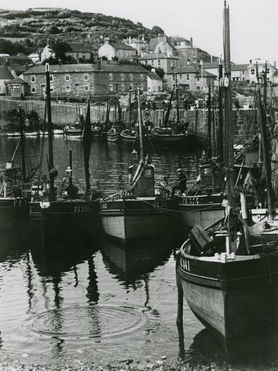 Mousehole, Cornwall-Staniland Pugh-Photographic Print