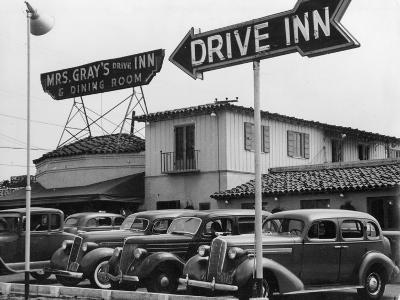 Mrs Gray's Drive Inn--Photographic Print