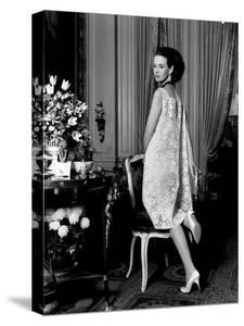 Mrs. Wyatt Cooper (Aka Gloria Vanderbilt) at Home