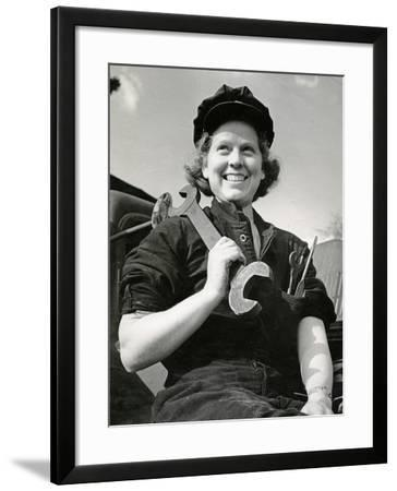 Mt Driver Mildred Davis, of the Canadian Women's Division, Rcaf, 1939-45--Framed Photographic Print