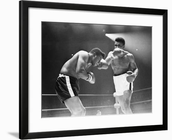 Muhammad Ali - 1965-Herbert Nipson-Framed Photographic Print