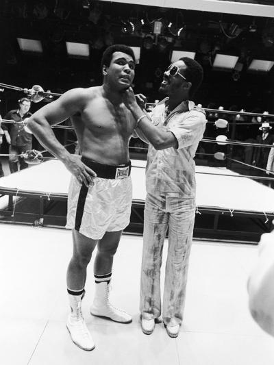 Muhammad Ali and Stevie Wonder - 1975-Isaac Sutton-Photographic Print