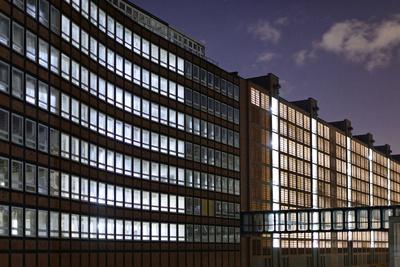 https://imgc.artprintimages.com/img/print/multi-storey-car-park-speicherstadt-view-from-the-back-hafencity-of-hamburg_u-l-q11w76e0.jpg?p=0