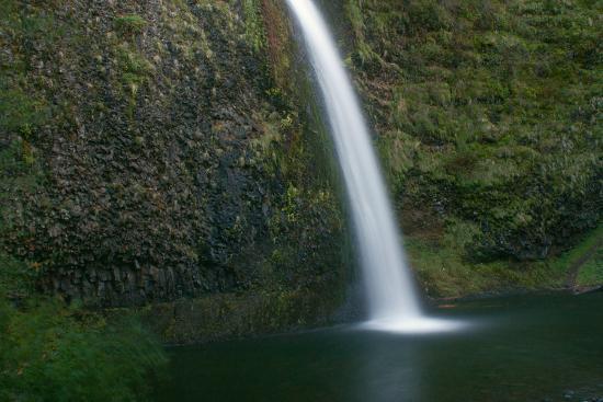 Multnomah Falls, Oregon-Vickie Lewis-Photographic Print