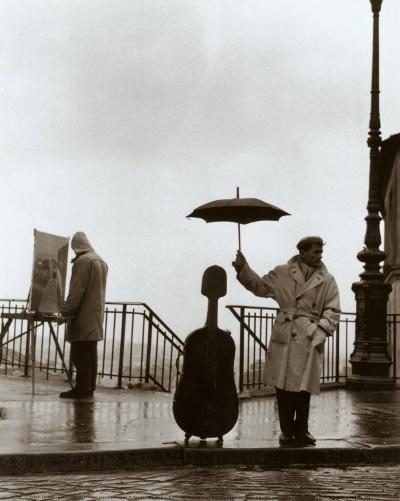 Musician in the Rain-Robert Doisneau-Art Print