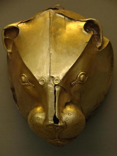 Mycenaean Art. Greece. Rhyton as Lion's Head Embossed in Gold Foil--Giclee Print