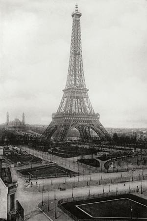 Vintage Paris VIII by N. Harbick
