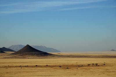 https://imgc.artprintimages.com/img/print/namibian-landscape-near-sossusvlei_u-l-q12x2nd0.jpg?p=0