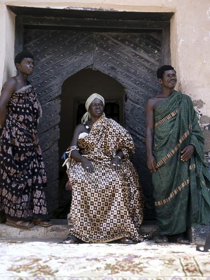 Nana Amonu X, Fante Omanhene of Anomabu, and two members of his court, Ghana, 1977-Werner Forman-Photographic Print
