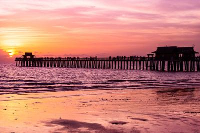 https://imgc.artprintimages.com/img/print/naples-florida-pier-at-sunset_u-l-pz506c0.jpg?p=0