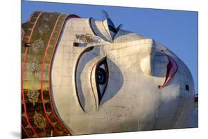 Buddha Win Sein, the Longest Reclining Buddha in the World, Mawlamyine (Moulmein) by Nathalie Cuvelier