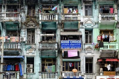 Old Building, Old City, Yangon (Rangoon), Myanmar (Burma), Asia