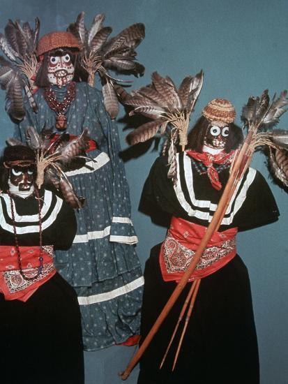 Native American Deguero funerary effigies-Unknown-Giclee Print
