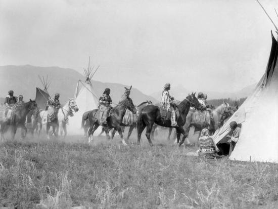 Native American Indian Tribe-H^ Armstrong Roberts-Photographic Print