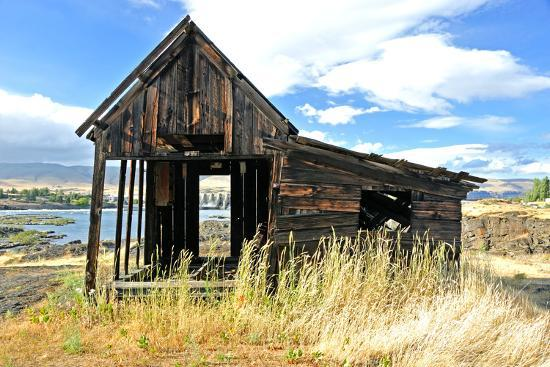 Native Indian Abandoned Building-sphraner-Photographic Print