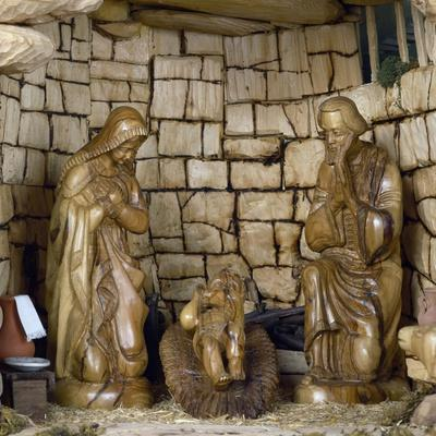 https://imgc.artprintimages.com/img/print/nativity-nativity-scene-with-olive-wood-figurines-palestine_u-l-prm7sh0.jpg?p=0