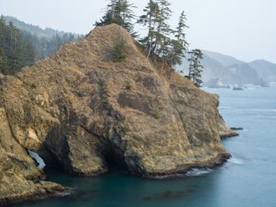 Natural Bridge at Coast, Thunder Cove, Oregon Coast, Brookings, Curry County, Oregon, Usa