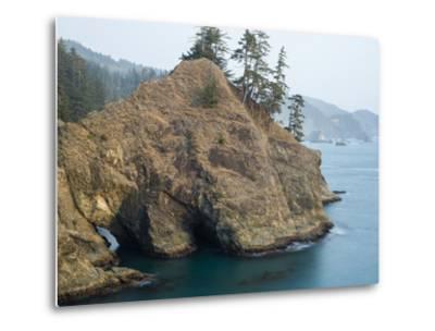 Natural Bridge at Coast, Thunder Cove, Oregon Coast, Brookings, Curry County, Oregon, Usa