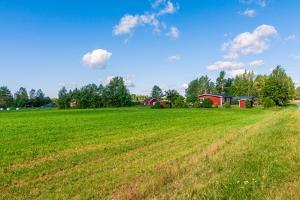 Red Houses in A Rural Landscape by nblx