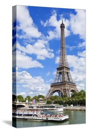 Bateaux Mouches Tour Boat on River Seine Passing the Eiffel Tower, Paris, France, Europe