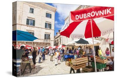 Open market in Gundulic Square, Dubrovnik Old Town, Dubrovnik, Dalmatian Coast, Croatia, Europe